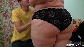 Cute fat ass booty plumper takes big cock