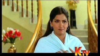 Bhuvaneswari aunty clevage show 4 min