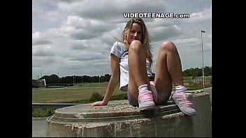 blonde teen uspkirt with no panties