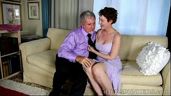 Sexy old spunker is a super hot fuck and loves facials