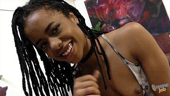 Kira Noir takes cumshot selfies after handjob