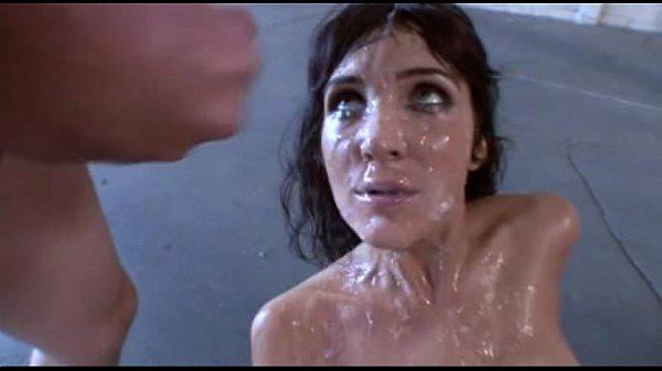 Diana Price bañada en semen