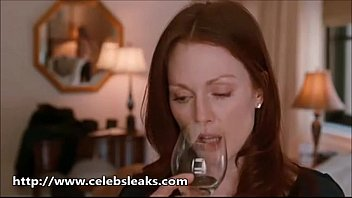 Amanda Seyfried Sex Scenes With julianne Moore - www.Celebsleaks.com
