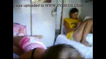 Sexo oral frente a su amiga - Sucking In front of her Friend (Aristogiton)