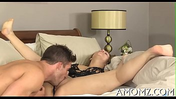 Mature sweetheart moans and acquires off 5 min