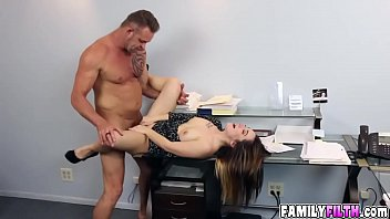 Horny hot Bambi Brooks sucking a huge cock for pleasure
