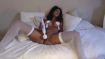 Hot Latina Webcam Clip Shoot - SuperJizzCams.com