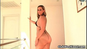 Thick white girl with a big ass sucking