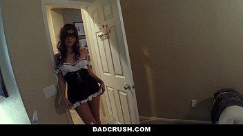 DadCrush - Hot Teen (Audrey Royal) Seduces And Fucks Step-DAD