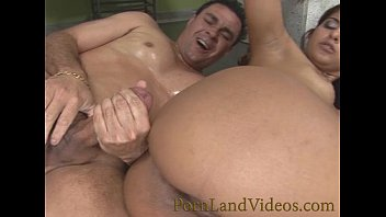 sexy slutty milf with wet pussy likes anal fuck