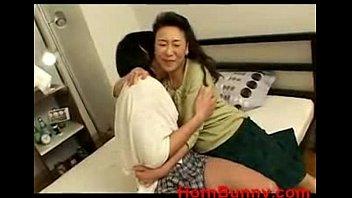 crying son - Videos - HornBunny (new)