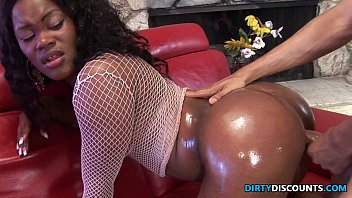 Roundass Ebony twerker drilled and jizzed