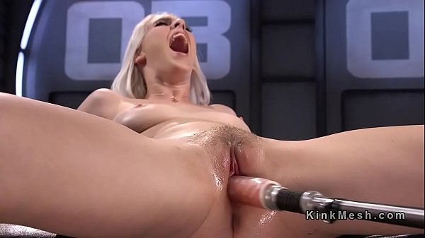 All natural blonde spread legs for fucking machine