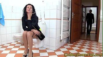 Jizzy face whore urinates 10 min