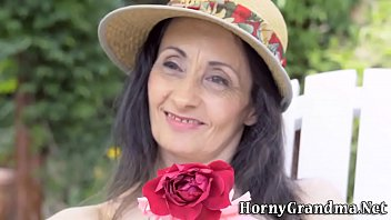 Mature granny facialized
