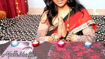 mona-bhabhi-celebrating-diwali
