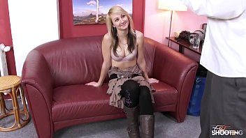 Fakeshooting Fake agent is really funny for young blonde who fuck his big cock