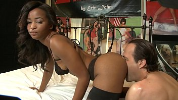 Ebony star Ivy Sherwood in nylon stockings and high heels rides white meat