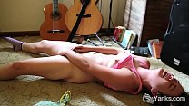 Yanks Beauty Rosie Budd Rubs Her Hairy Snatch