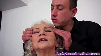 Cocksucking granny tittyfucked by big cock 6 min