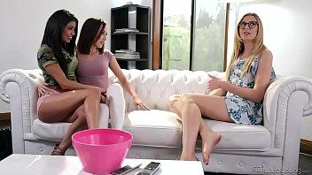 Hot teens tag-teamed the babysitter - Veronica Rodriguez, Jenna Sativa & Alexa 6 min