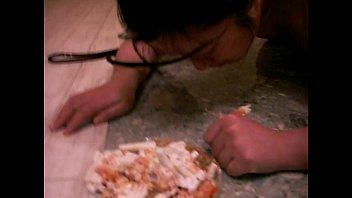 feeding a slave 12 01.MOV 54 sec