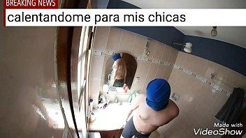 Una rica masturbacion en mi baño para mis mujeres/SantosVargas