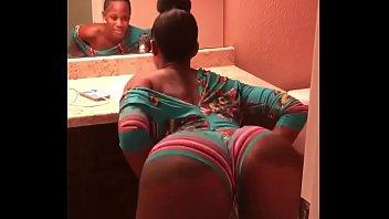 sexy black girl twerking
