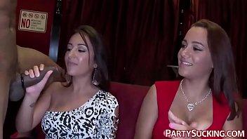 Amateur Babes Blowing Dicks 5 min