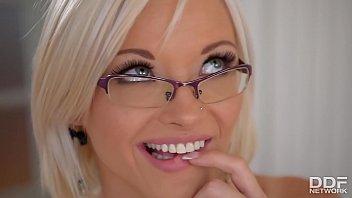 Horny blonde secretary Zazie Skymm fucks a Dildo in the Office 21 min