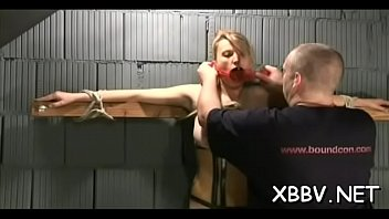 Amateur lady leaves guy to delight with breast bondage