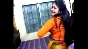 Bangali Muslim Girl showing Nude.......
