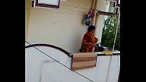 Aunty saree cleavage