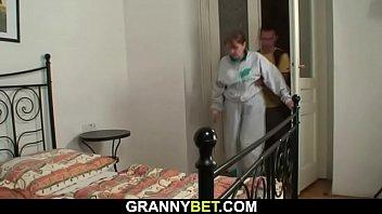 Injured grandma gets healed by stranger