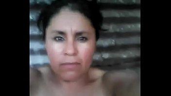 India manda vídeo a su amante y sus hijos la acachan