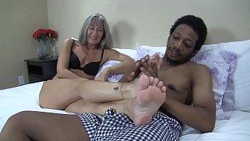 Leilani Lee & Ronnie Hendrixxx Footjob