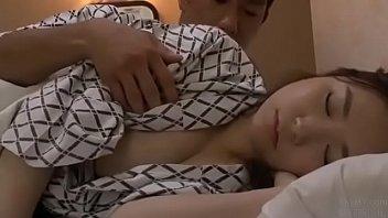 Ngủ chung với dì trong khách sạn link full at http://vnurl.xyz/LuowmPcOAmU