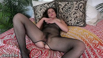 Juliette March rubs her hairy pussy for you