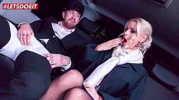 VIP SEX VAULT - Hot Wife Cheats With Taxi Driver on Christmas Eve