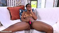 Janelle Taylor opens her pussy wide open