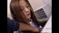 Chinese girl be OL in Japan