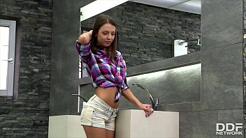 Scrumptious teen sweetheart Foxy Di fingers her shaved pink in the shower 12 min