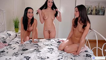 Your Mom Fucked Me, Jade! - Emily Willis, Jade Baker and Crystal Rush