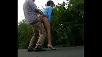 Sexo oral y follando al aire libre