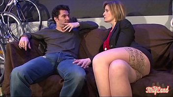Florence, bourrée elle veut baiser avec son employé