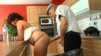 grandpa gets fucked by the horny babe's cock for money