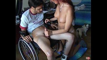 Diana se folla un chico en silla de ruedas