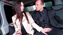 VIP SEX VAULT - Amazing Russian Babe Arwen Fucks Hard In Traffic With Her Cabby
