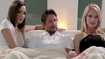 Mom Likes TO Watch Dad & Daughter Fuck- Jaye Summers,Tommy Gunn