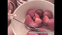 Queeny- Strawberry